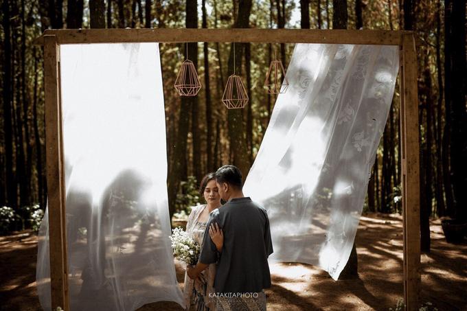 The prewedding of Astari & Andhika by Katakitaphoto - 011