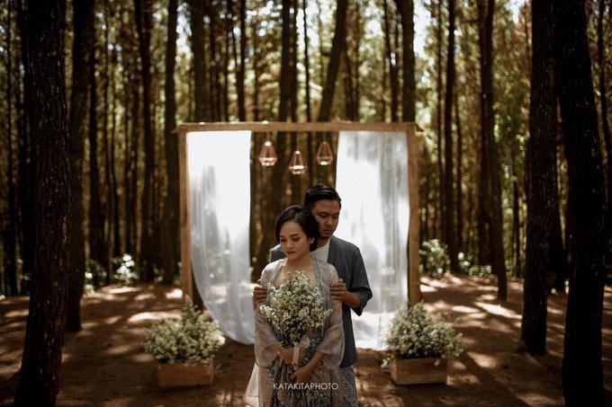 The prewedding of Astari & Andhika by Katakitaphoto - 014