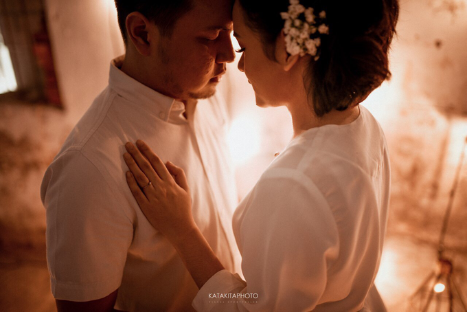 The prewedding of Astari & Andhika by Katakitaphoto - 016