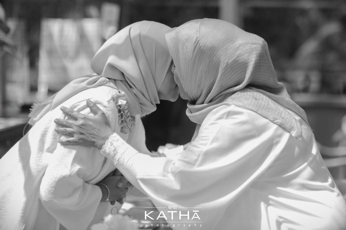 The one who finally be united after 10 years by Katha Photography - 016