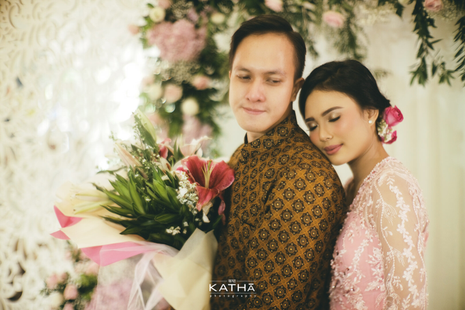 Shinta & Bobby Engagement by Katha Photography - 008