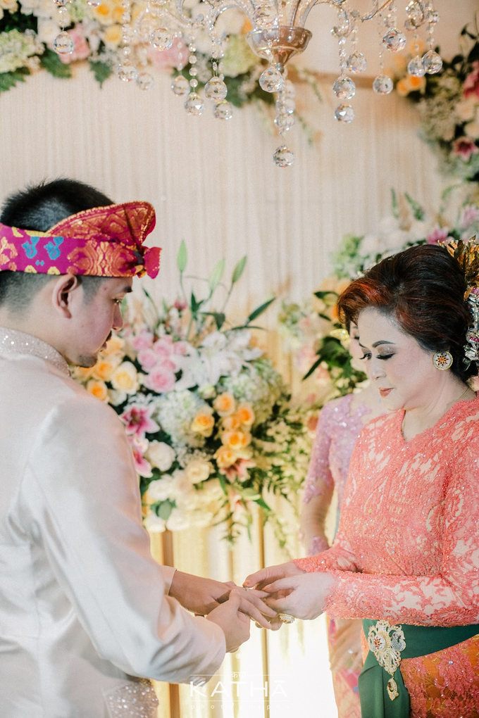Vania & Almer Engagement Ceremony by Katha Photography - 020