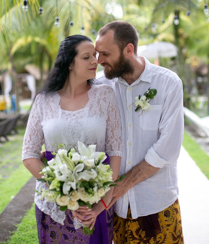 Katie & Nial Balinese Wedding in Ubud by The Mansion Baliwood Resort Hotel and Spa - 003