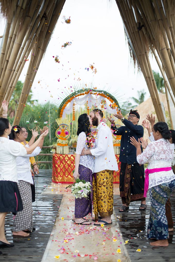 Katie & Nial Balinese Wedding in Ubud by The Mansion Baliwood Resort Hotel and Spa - 011