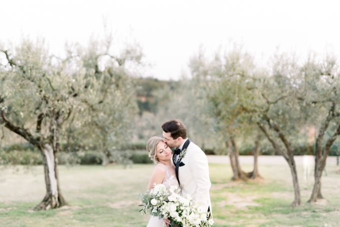 Erica and Nick's wedding in Tuscany was shot during Lauren Fair and Julie Paisley workshop in Tuscany this spring. The theme of the wedding was white  by Katka Koncal - 047