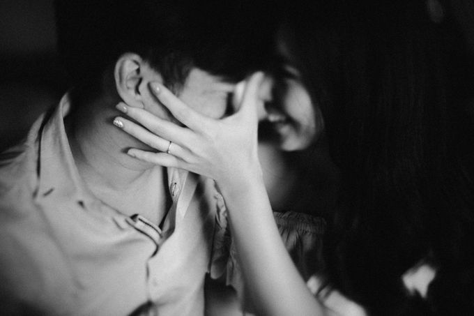 Lius & Tami Engagement Portrait by Keyva Photography - 016