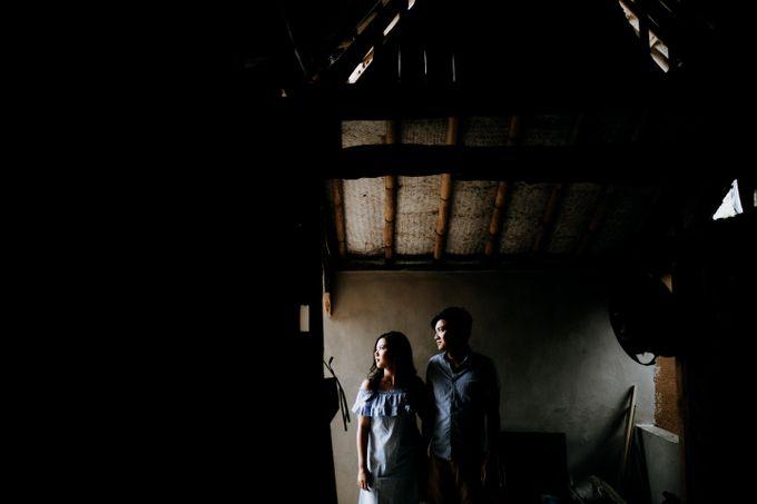Lius & Tami Engagement Portrait by Keyva Photography - 020
