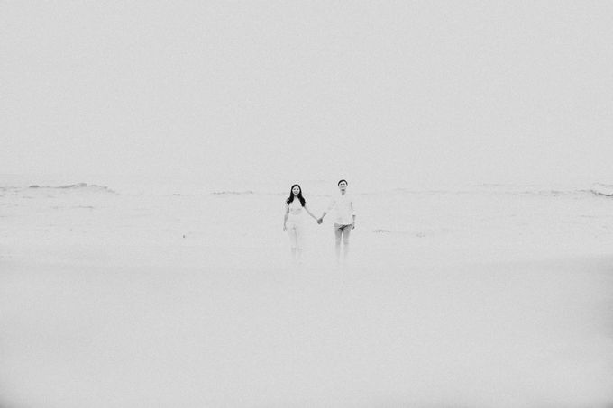 Lius & Tami Engagement Portrait by Keyva Photography - 023