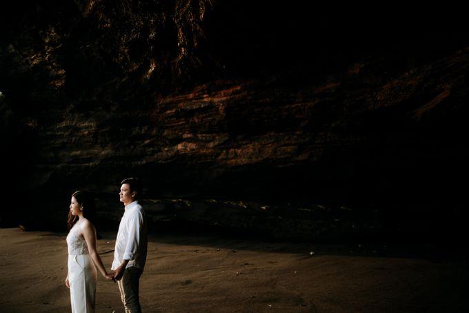 Lius & Tami Engagement Portrait by Keyva Photography - 034