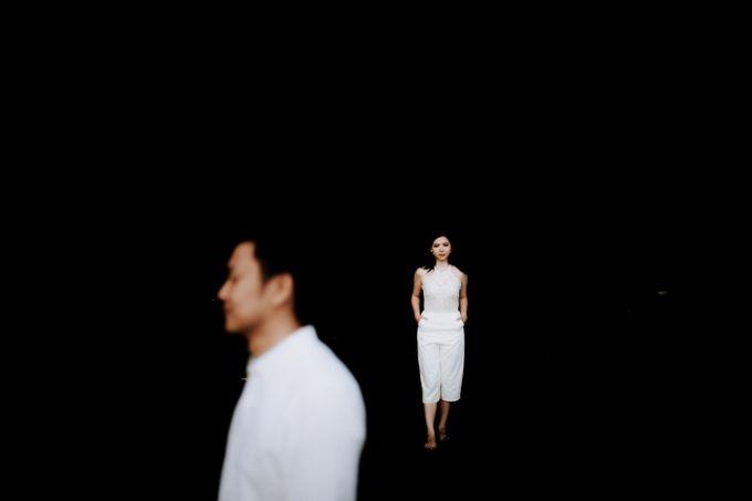 Lius & Tami Engagement Portrait by Keyva Photography - 037