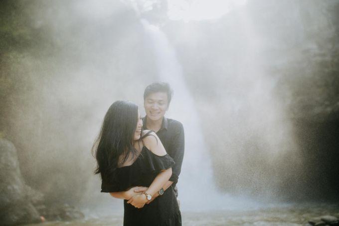 Lius & Tami Engagement Portrait by Keyva Photography - 041