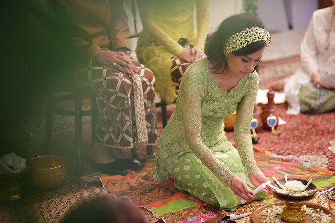 Keshia and Fadhil Siraman by Maheswara - 013