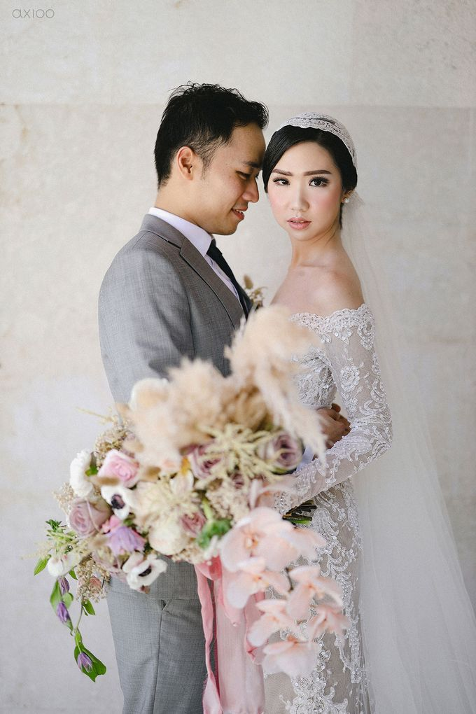 Fearless - The Wedding of Kevin and Lia by Donny by Axioo - 030