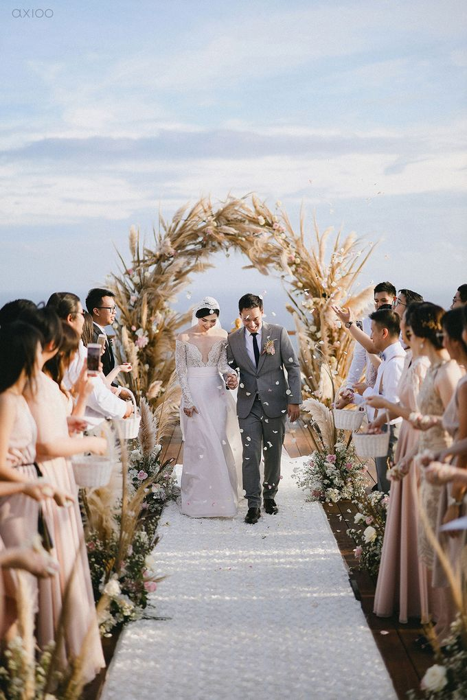 Fearless - The Wedding of Kevin and Lia by Donny by Axioo - 042