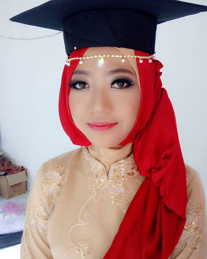 Make Up For Graduation by Maurine Stephanie MUA - 020