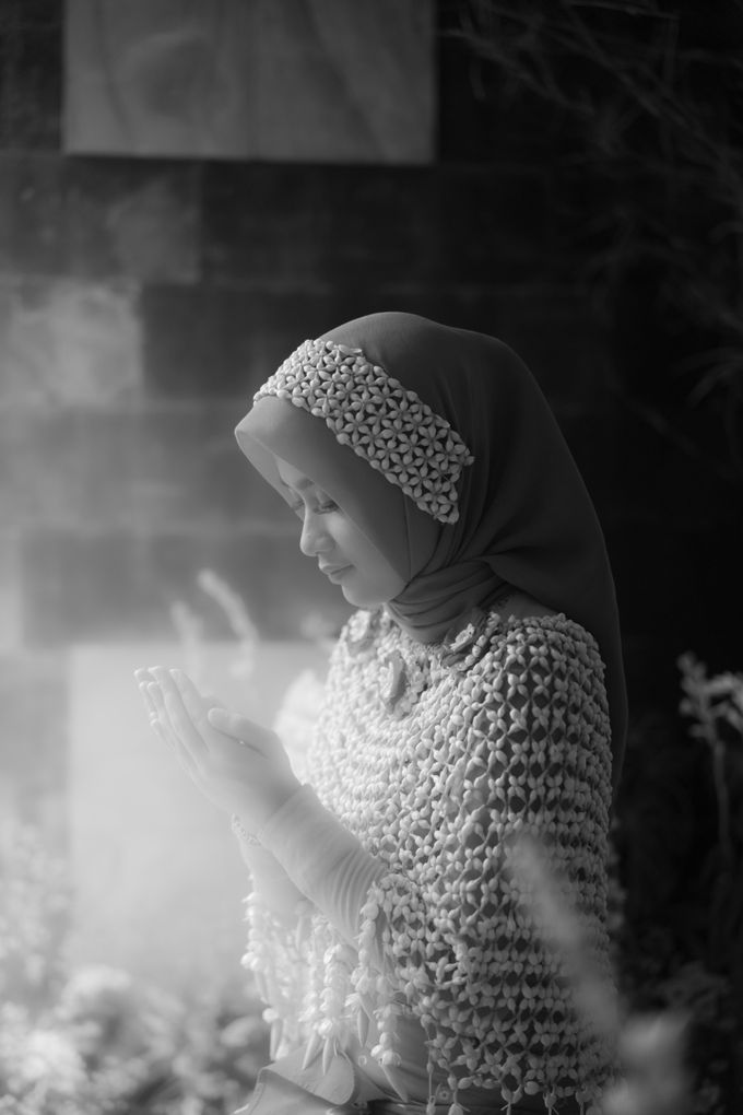 A Solemn Outdoor Wedding Ceremony that Rich in Traditional and Cultural Heritage by Kalyaharsa - 002