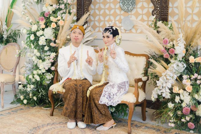 A Solemn Outdoor Wedding Ceremony that Rich in Traditional and Cultural Heritage by Kalyaharsa - 017