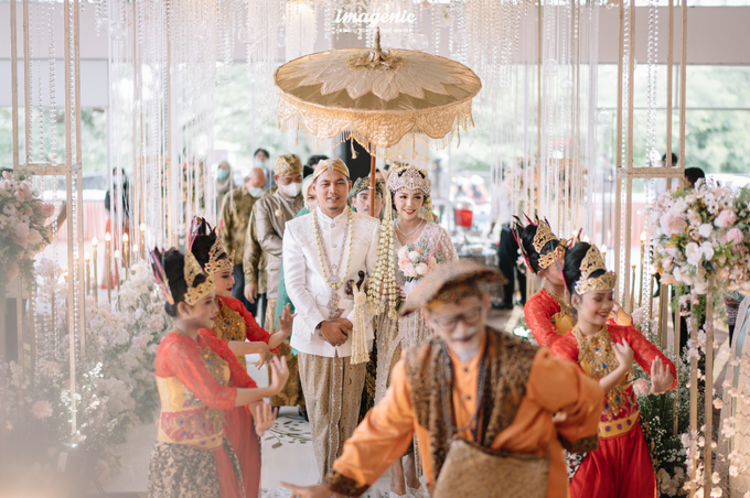 a Modern Sundanese Wedding of Rahmat & Tantri by Khayim Beshafa One Stop Wedding - 001