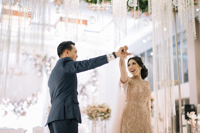 a Modern Sundanese Wedding of Rahmat & Tantri by Khayim Beshafa One Stop Wedding - 020