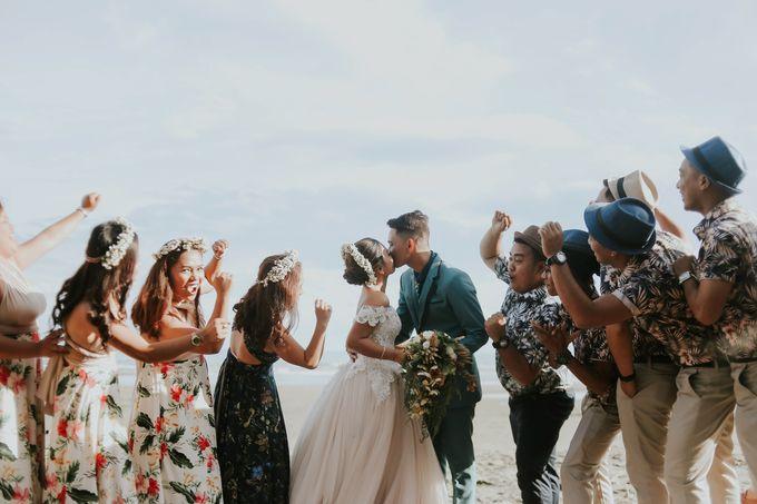 Kim & Mae Sunrise Wedding by the beach by The Fortnight Studios - 023