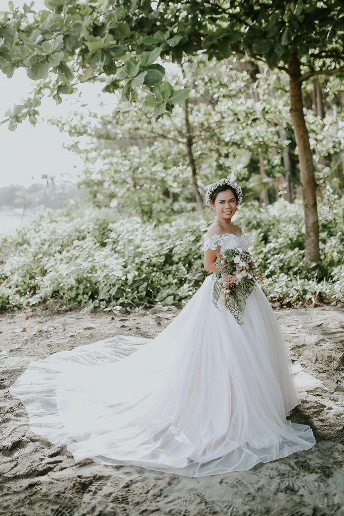 Kim & Mae Sunrise Wedding by the beach by The Fortnight Studios - 034