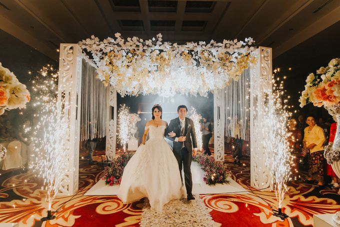 The Royal Wedding Of Kinanta & Anastascya by Honey Wedding & Event Bali - 014