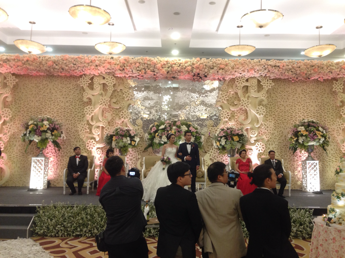 'The Doctors' dr. Stephanie & dr. Nelwan Wedding's by Wong Hang Distinguished Tailor - 004