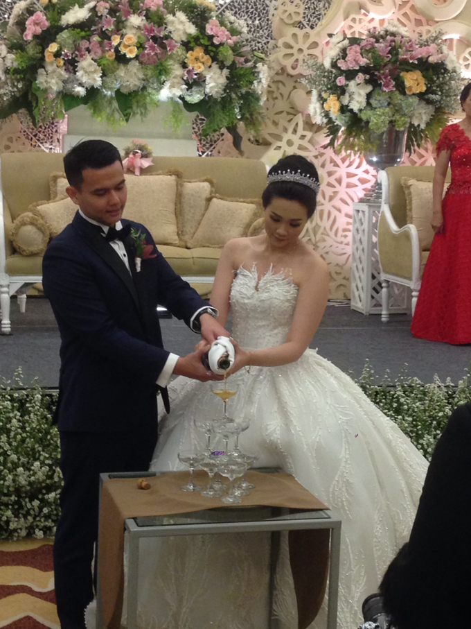 'The Doctors' dr. Stephanie & dr. Nelwan Wedding's by Wong Hang Distinguished Tailor - 006