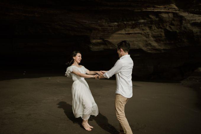 Kristi & Yonathan Prewedding by AKSA Creative - 032