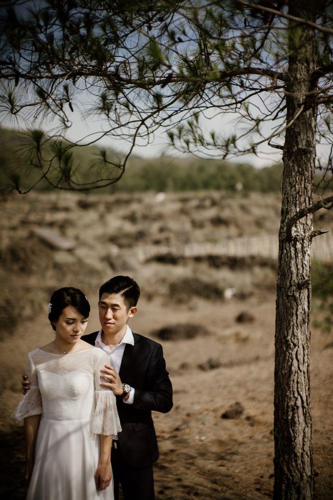 Kristi & Yonathan Prewedding by AKSA Creative - 034