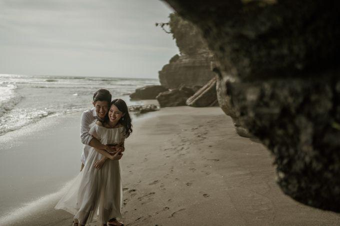 Kristi & Yonathan Prewedding by AKSA Creative - 035