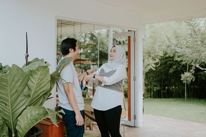 Kevin & Virgi Couple Session by akar photography - 006