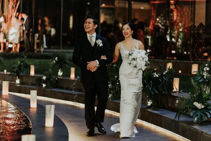The Wedding of Kefas & Sutra by DHITA bride - 001