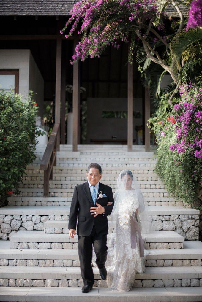 Eco-friendly Bali Wedding by Reynard Karman Photography - 040