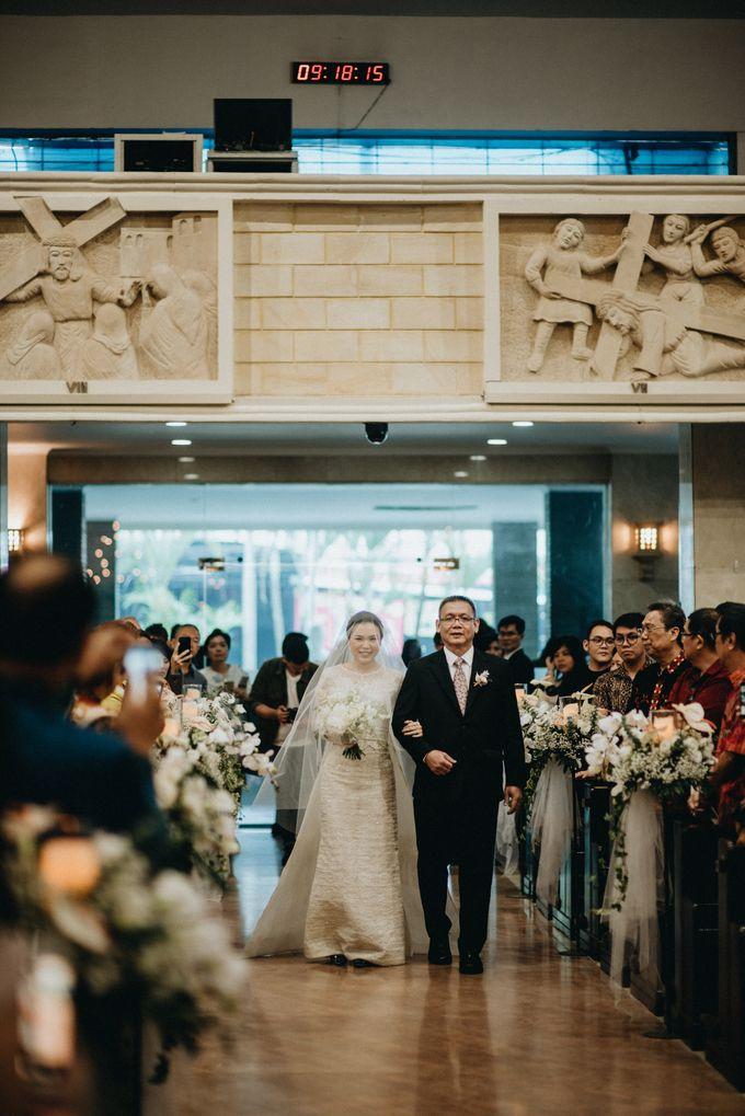 Holy Matrimony Kelvin & Teresa by saptodjojokartiko bride - 002