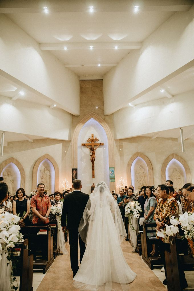 Holy Matrimony Kelvin & Teresa by saptodjojokartiko bride - 003