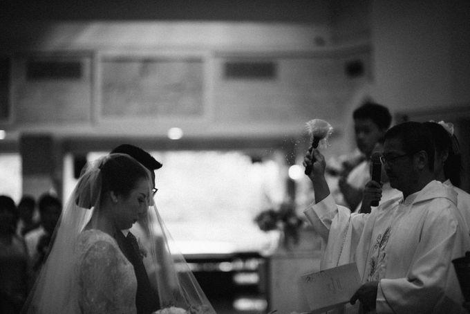 Holy Matrimony Kelvin & Teresa by saptodjojokartiko bride - 005