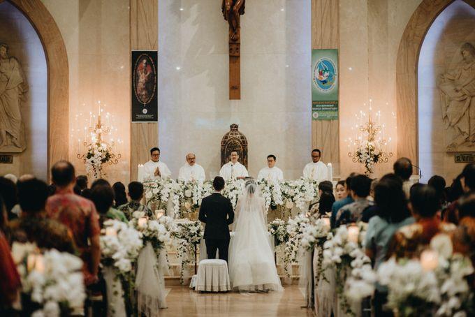 Holy Matrimony Kelvin & Teresa by saptodjojokartiko bride - 008