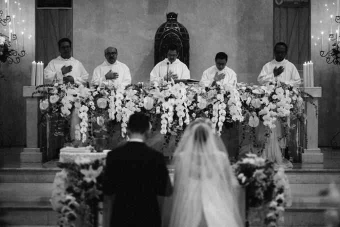 Holy Matrimony Kelvin & Teresa by saptodjojokartiko bride - 009