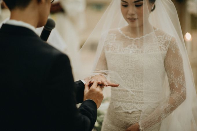 Holy Matrimony Kelvin & Teresa by saptodjojokartiko bride - 013