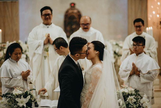 Holy Matrimony Kelvin & Teresa by saptodjojokartiko bride - 015