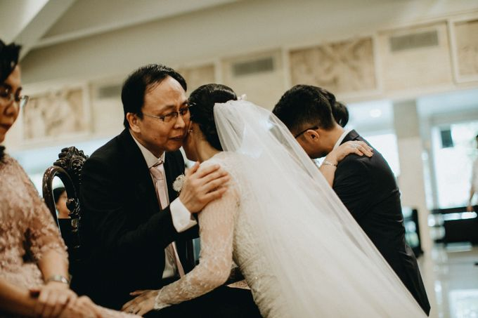 Holy Matrimony Kelvin & Teresa by saptodjojokartiko bride - 019