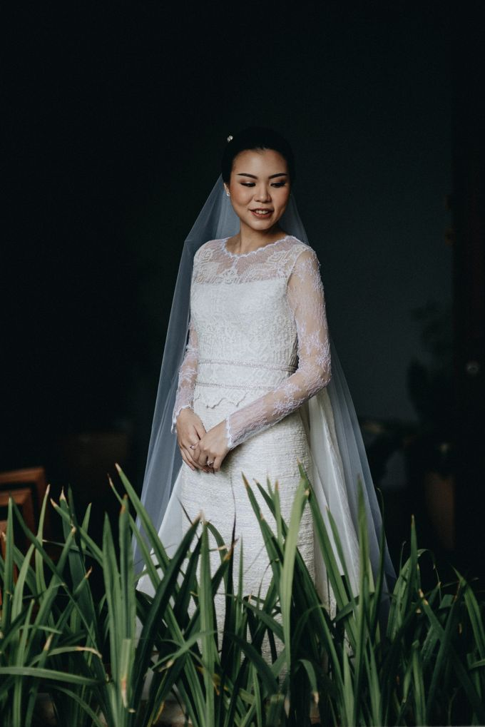 Preparation of Teresa by saptodjojokartiko bride - 016