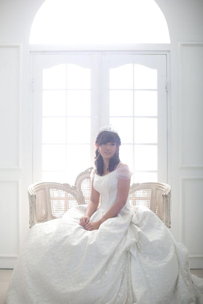 Favor Wedding Gown - Cinderella Story by Favor Brides - 005