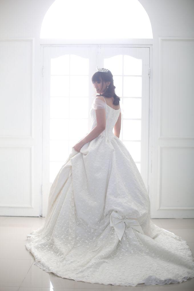 Favor Wedding Gown - Cinderella Story by Favor Brides - 006