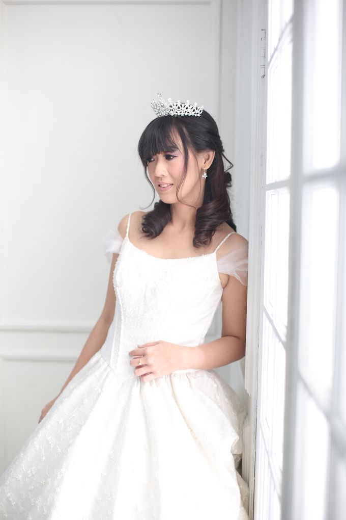 Favor Wedding Gown - Cinderella Story by Favor Brides - 004