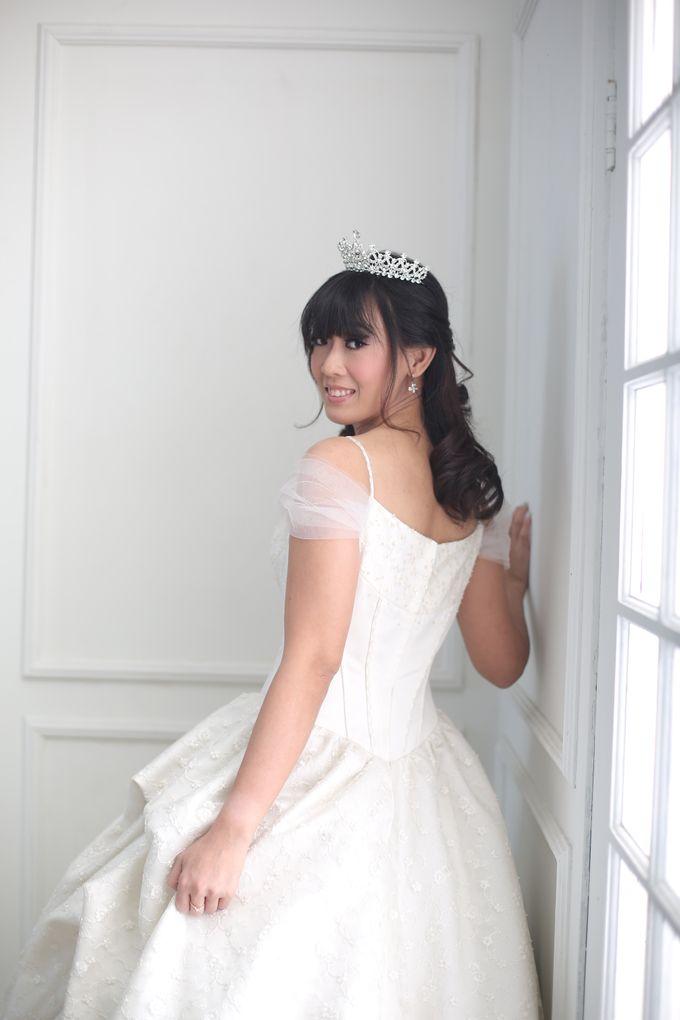 Favor Wedding Gown - Cinderella Story by Favor Brides - 007