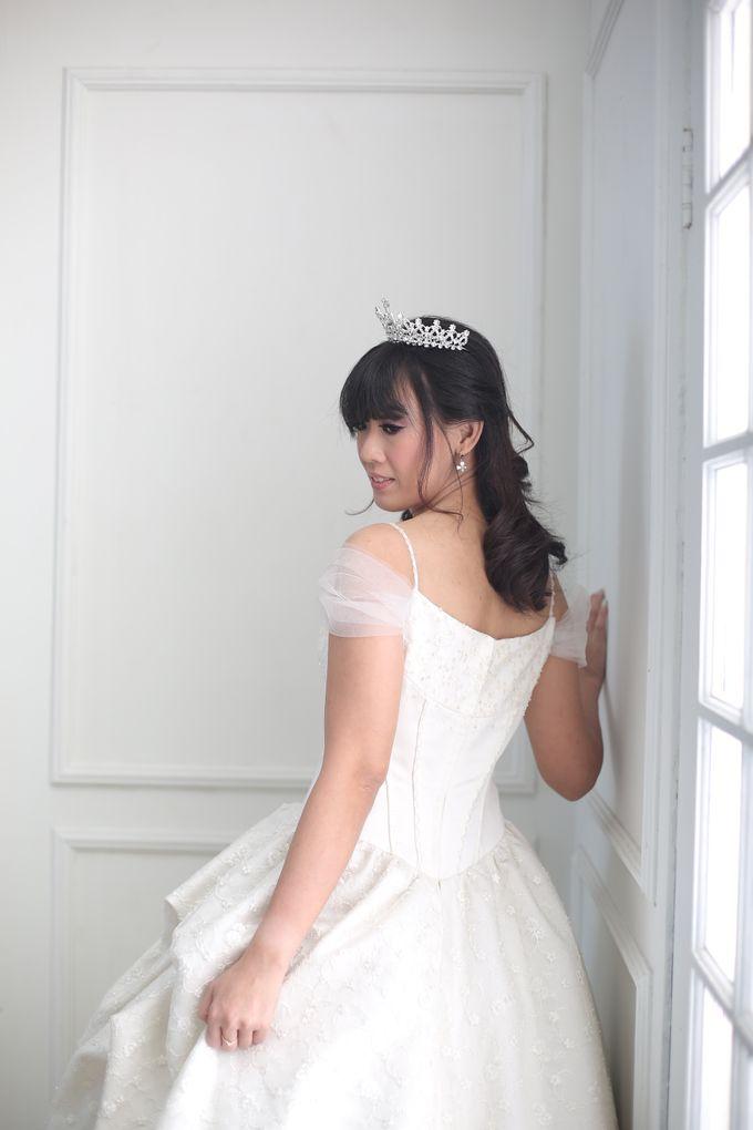 Favor Wedding Gown - Cinderella Story by Favor Brides - 002