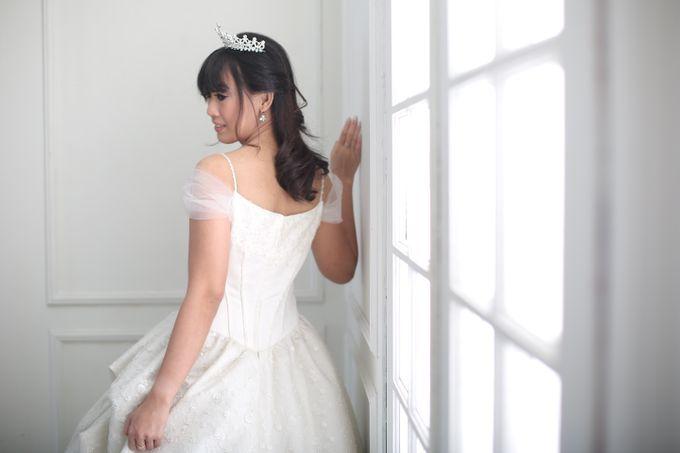 Favor Wedding Gown - Cinderella Story by Favor Brides - 001