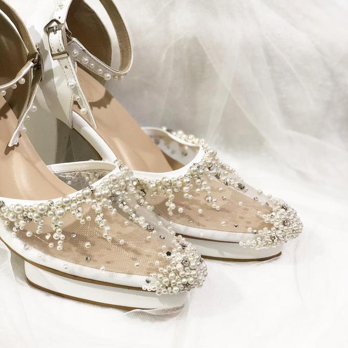 WINDY WEDDING PEARL WHITE SHOES by Helen Kunu by Kunu Looks - 002